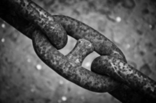 chain-stalking-main-bw