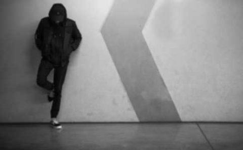 stalking-borders-1